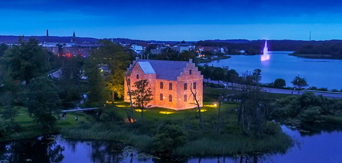 arial_night_view_silkeborg_castle_case_ricken